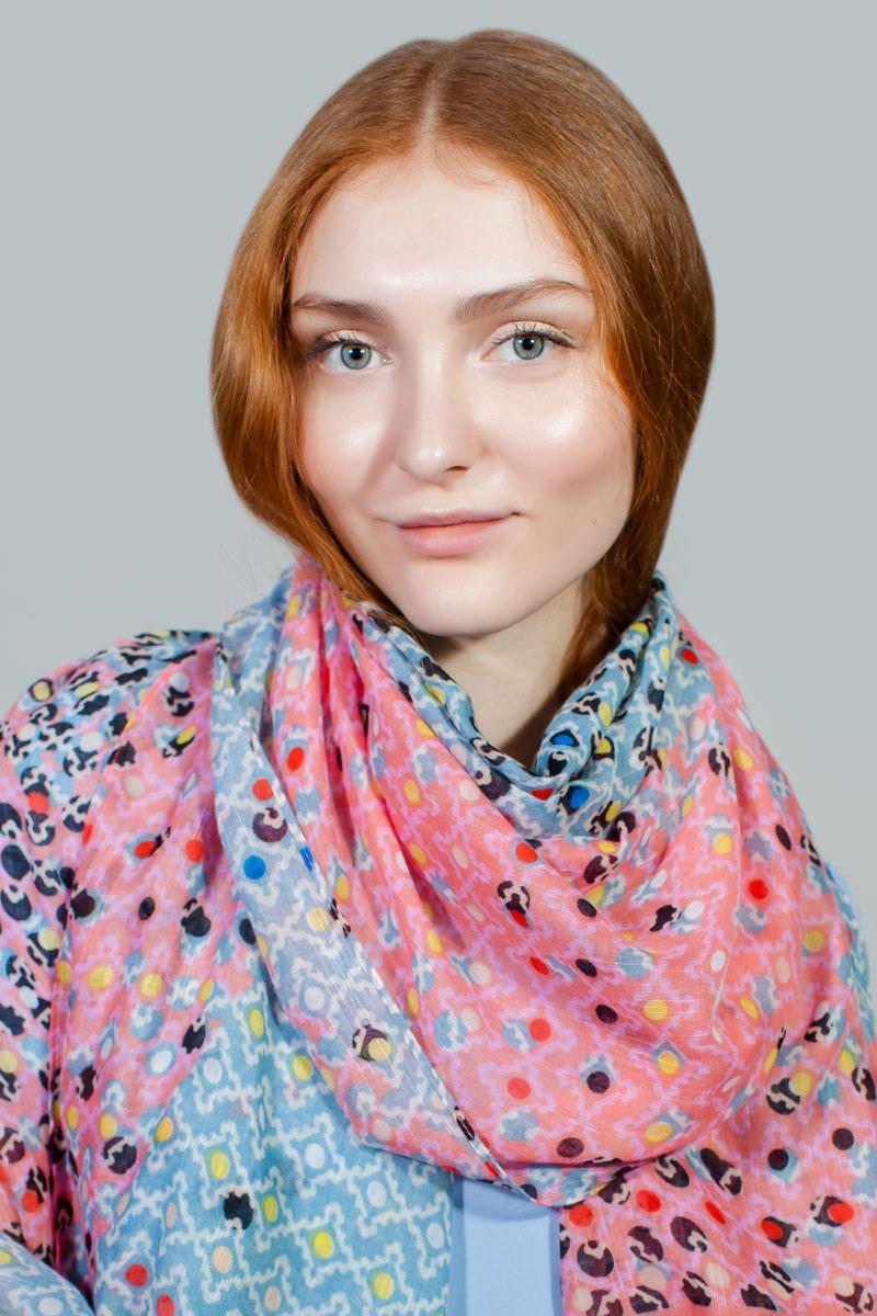 ПалантинRW-11701-1Яркий палантин Sophie Ramage изготовлен из модала и шелка. Модель оформлена оригинальным принтом. Изделия Sophie Ramage приятные на ощупь и подойдут к любому стилю.