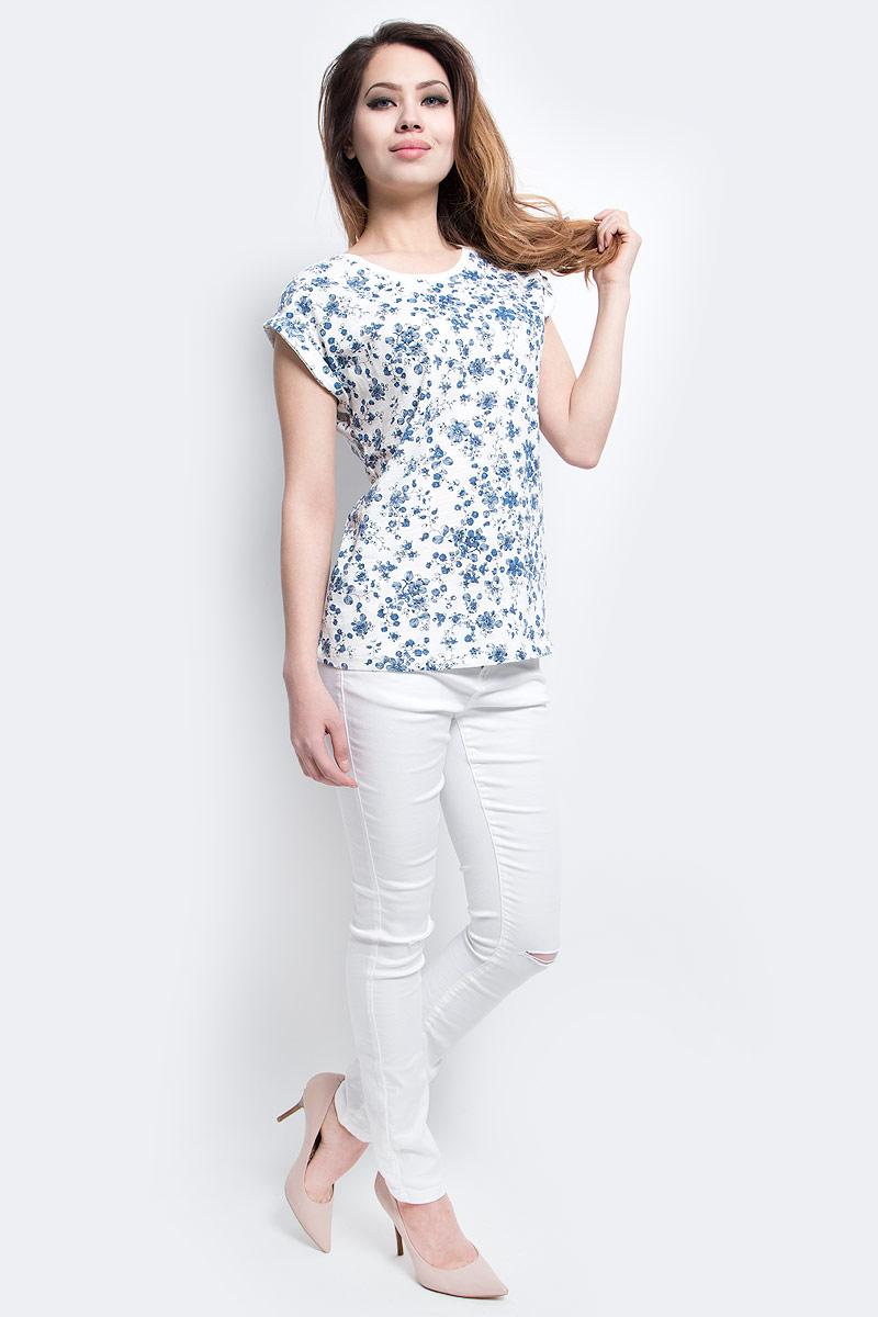 ФутболкаTs-111/1220-7273PСтильная женская футболка Sela станет отличным дополнением к гардеробу каждой модницы. Модель полуприлегающего силуэта с цельнокроеными короткими рукавами изготовлена из натурального хлопка и оформлена оригинальным принтом. Воротник дополнен мягкой эластичной бейкой. Универсальный цвет позволяет сочетать модель с любой одеждой.
