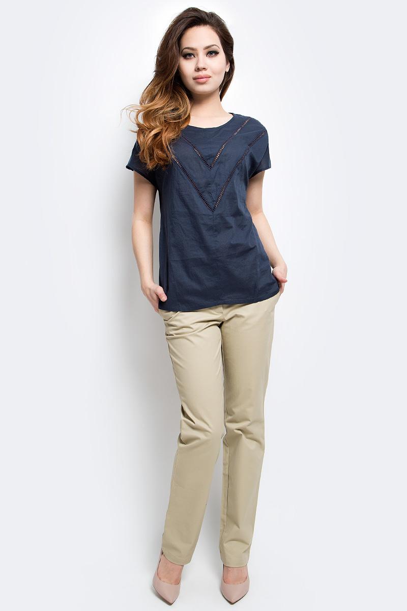 БлузкаS17-12025_101Блузка женская Finn Flare выполнена из натурального хлопка. Модель с круглым вырезом горловины и короткими рукавами.
