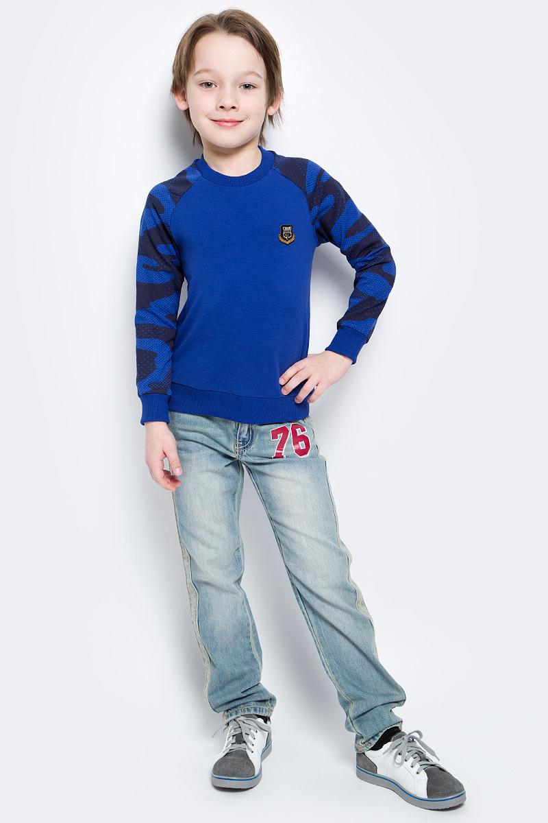 СвитшотSJK17001M29/SJK17001S29Стильный свитшот для мальчика M&D выполнен из высококачественного хлопка с добавлением лайкры. Свитшот с длинными рукавами и круглым вырезом горловины оформлен на груди оригинальным декоративным элементом. Низ, горловина и рукава изделия дополнены трикотажной резинкой.