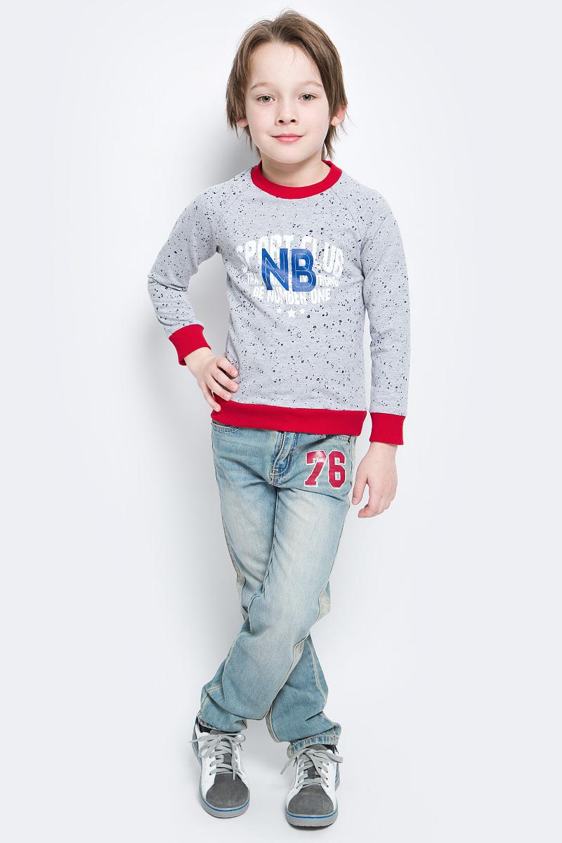 СвитшотSJK17003MСтильный свитшот M&D для мальчика изготовлен из натурального хлопка с добавлением полиэстера и лайкры, он необычайно мягкий и приятный на ощупь, не сковывает движения ребенка и придает комфорт. Свитшот с длинными рукавами-реглан и круглым вырезом горловины оформлен оригинальным принтом с надписями. Вырез горловины, края рукавов и низ изделия дополнены трикотажными резинками.