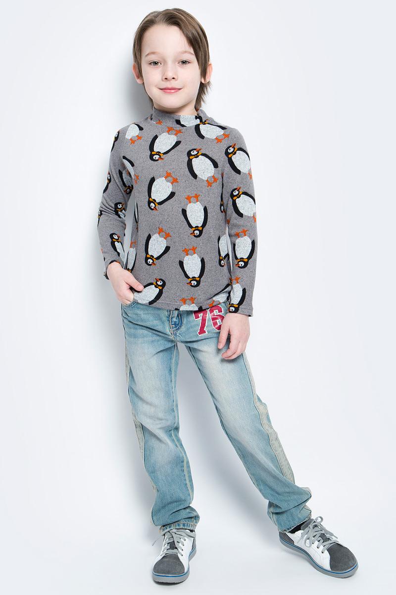 ВодолазкаWJO16011M-9Мягкая и приятная водолазка для мальчика выполнена из эластичной вискозы. Модель с воротником-стойкой и длинными рукавами оформлена оригинальным изображением пингвинов.