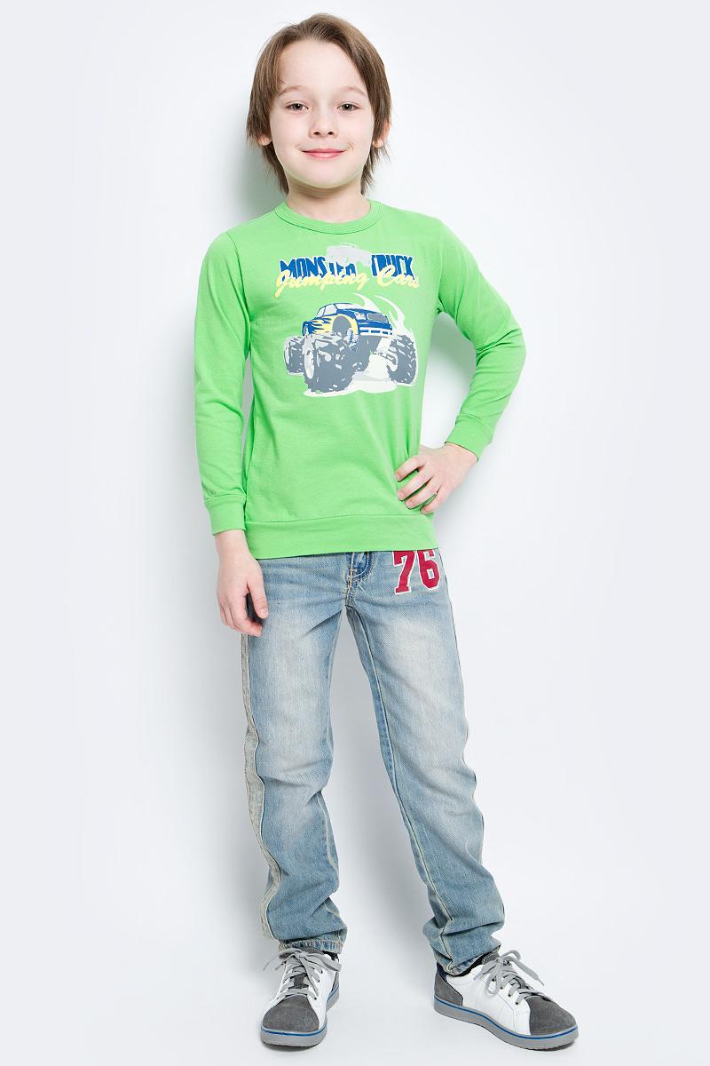 СвитшотSSF162K32-14Свитшот для мальчика M&D сделает образ ребенка ярким и оригинальным. Изделие выполнено из мягкого эластичного хлопка, тактильно приятное, не сковывает движения и хорошо пропускает воздух, обеспечивая комфорт. Свитшот с длинными рукавами имеет круглый вырез горловины, оформленный трикотажной резинкой. На рукавах предусмотрены манжеты. По низу модель дополнена трикотажной вставкой. Изделие украшено термоаппликацией в виде автомобиля и надписей. Современный дизайн и расцветка делают этот свитшот ярким и модным предметом детской одежды. Обладатель такого свитшота всегда будет в центре внимания!