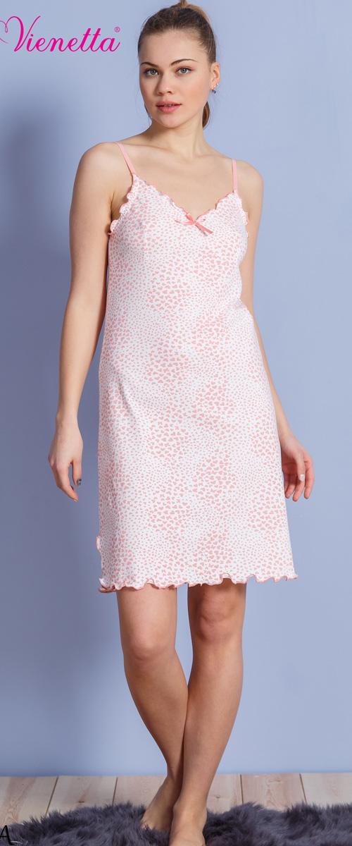 Платье домашнее610237 1316Женское домашнее платье Vienettas Secret выполнено из 100% натурального хлопка. Изделие на бретельках имеет декольте с V-образным вырезом и длину мини. Модель не стесняет движений и комфортна для домашней носки. Платье дополнено оборками, бантиком и принтом в виде сердечек.