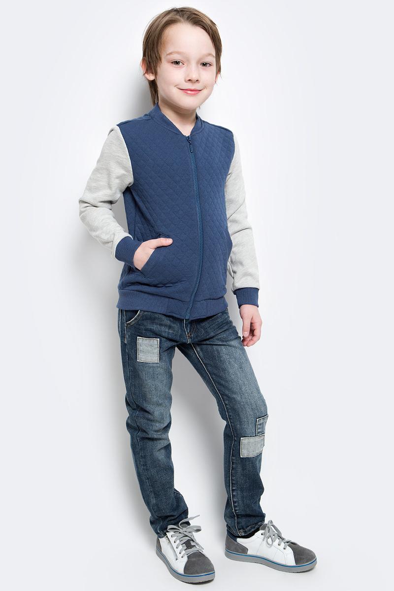 Толстовка117BBBC16031000Детская толстовка - хит прогулочного и домашнего гардероба! Модная, удобная, практичная, толстовка для мальчика - отличная вещь на каждый день. Комбинированная толстовка от Button Blue гарантирует прекрасный внешний вид, комфорт и свободу движений.