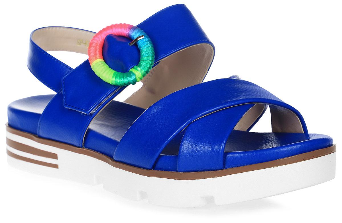 СандалииSP-FA2501-1 PU (SP-F45001-1)Удобные сандалии на плоской подошве выполнены из искусственной кожи. Сандалии фиксируются на ноге при помощи застежки-пряжки.