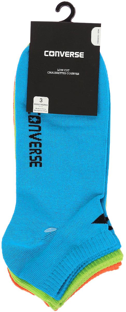 Комплект носковE217A3010Мужские носки Converse изготовлены из качественного смесового текстиля на основе хлопка. Модель оформлена буквенным принтом с названием бренда. Эластичная резинка плотно облегает ногу, не сдавливая ее.