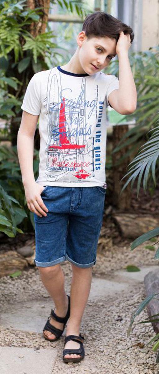 Шорты717009Джинсовые шорты для мальчика застегиваются на молнию и пуговицу. В боковой части пояса находятся вшитые эластичные ленты, регулирующие посадку по талии.