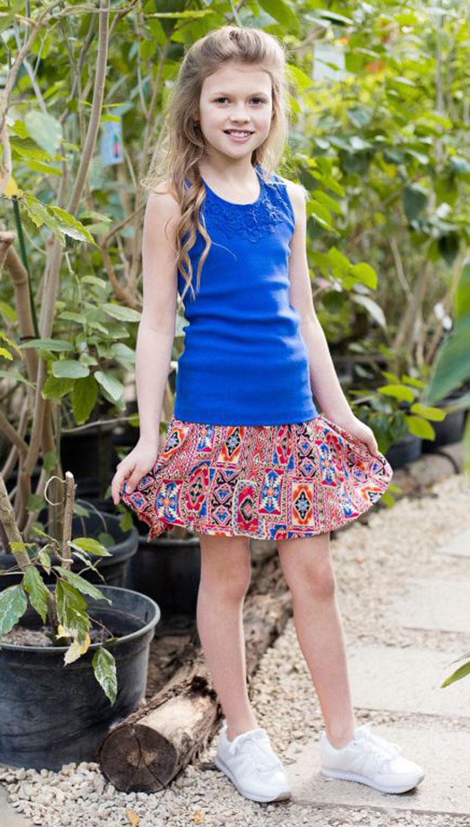 Майка718019Трикотажная майка-топ для девочки. Спинка декорирована кружевной вставкой.