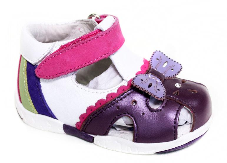 СандалииAD2137H10Яркие сандалии Leopard Kids придутся по душе вашей маленькой моднице и идеально подойдут для повседневной носки в летнюю погоду. Модель выполнена из натуральной кожи. Мыс декорирован бантиком. Ремешок на застежке-липучке надежно зафиксирует модель на ноге ребенка. Кожаная стелька обеспечит комфорт и уют при ходьбе. Рифленая поверхность подошвы защищает изделие от скольжения. Стильные сандалии - незаменимая вещь в гардеробе каждой девочки!