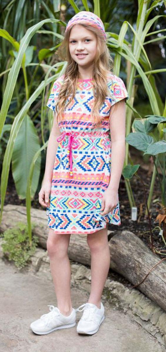 Платье718033Трикотажное платье приталенного кроя из принтованной ткани с пояском.