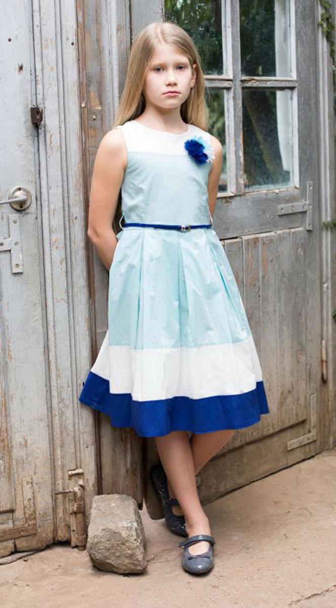 Платье718057Классическое хлопковое платье приталенного кроя для девочки. Низ изделия декорирован контрастной тканью. Талия подчеркнута тонким пояском. Застегивается на потайную молнию на спинке.