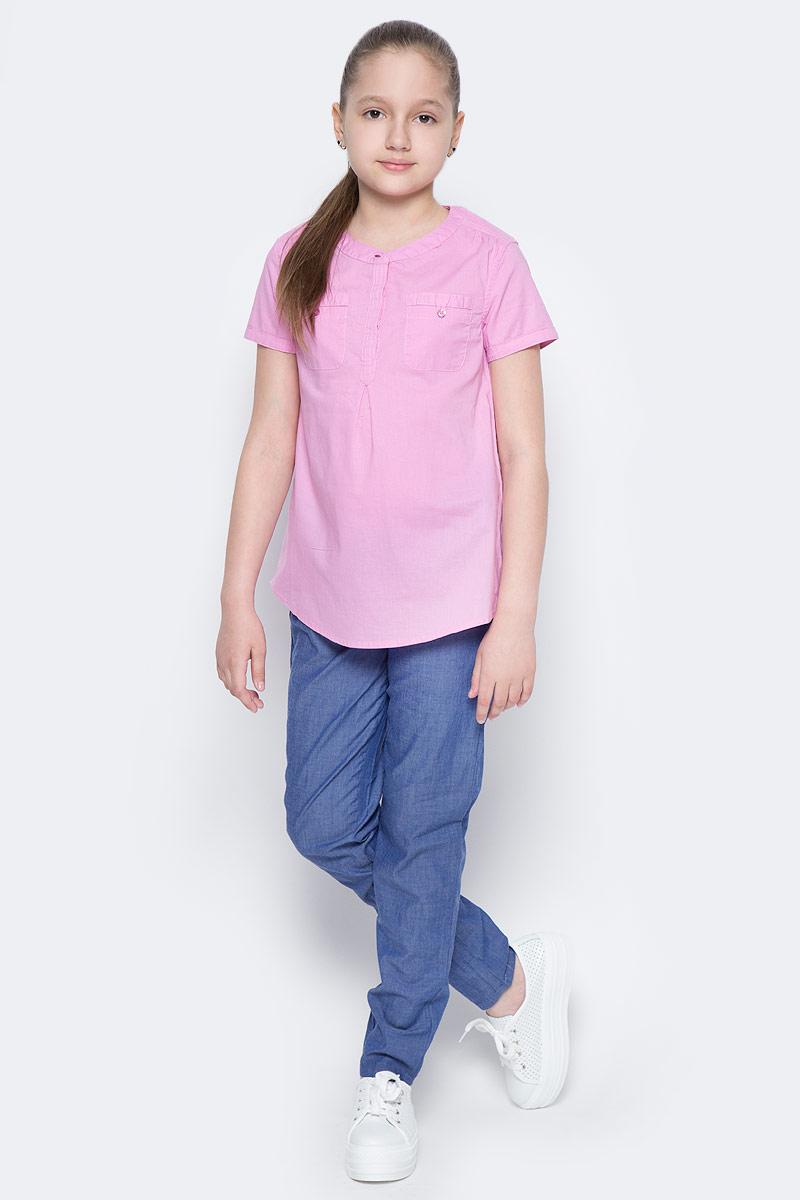 БлузкаBs-612/855-7223Стильная блузка для девочки Sela выполнена из натурального хлопка и дополнена двумя накладными карманами. Модель А-силуэта с круглым вырезом горловины и короткими рукавами застегивается на пуговицы до середины груди, скрытые планкой. Блузка подойдет для прогулок и дружеских встреч и будет отлично сочетаться с джинсами и брюками, и гармонично смотреться с юбками. Мягкая ткань комфортна и приятна на ощупь.