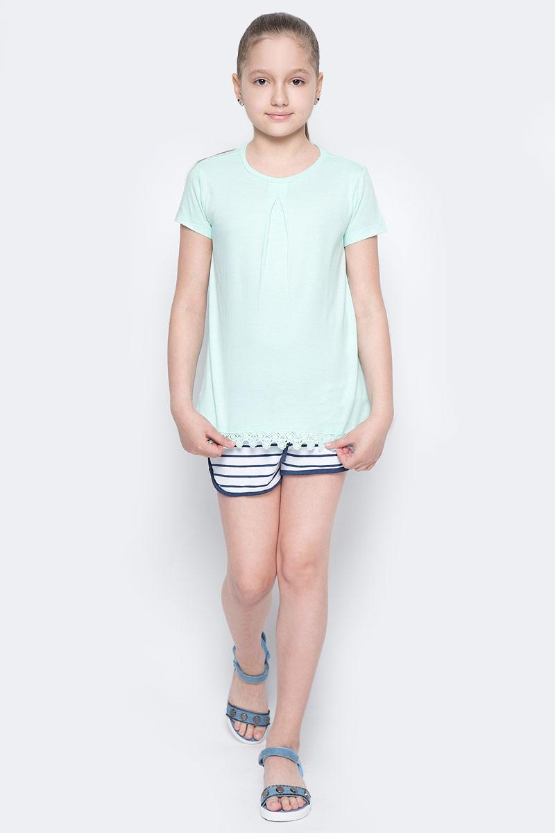 ФутболкаTs-611/956-7172Стильная футболка для девочки Sela изготовлена из натурального хлопка. Модель полуприлегающего кроя оформлена вязаным кружевом по низу. Воротник дополнен мягкой эластичной бейкой. Универсальный цвет позволяет сочетать изделие с любой одеждой.