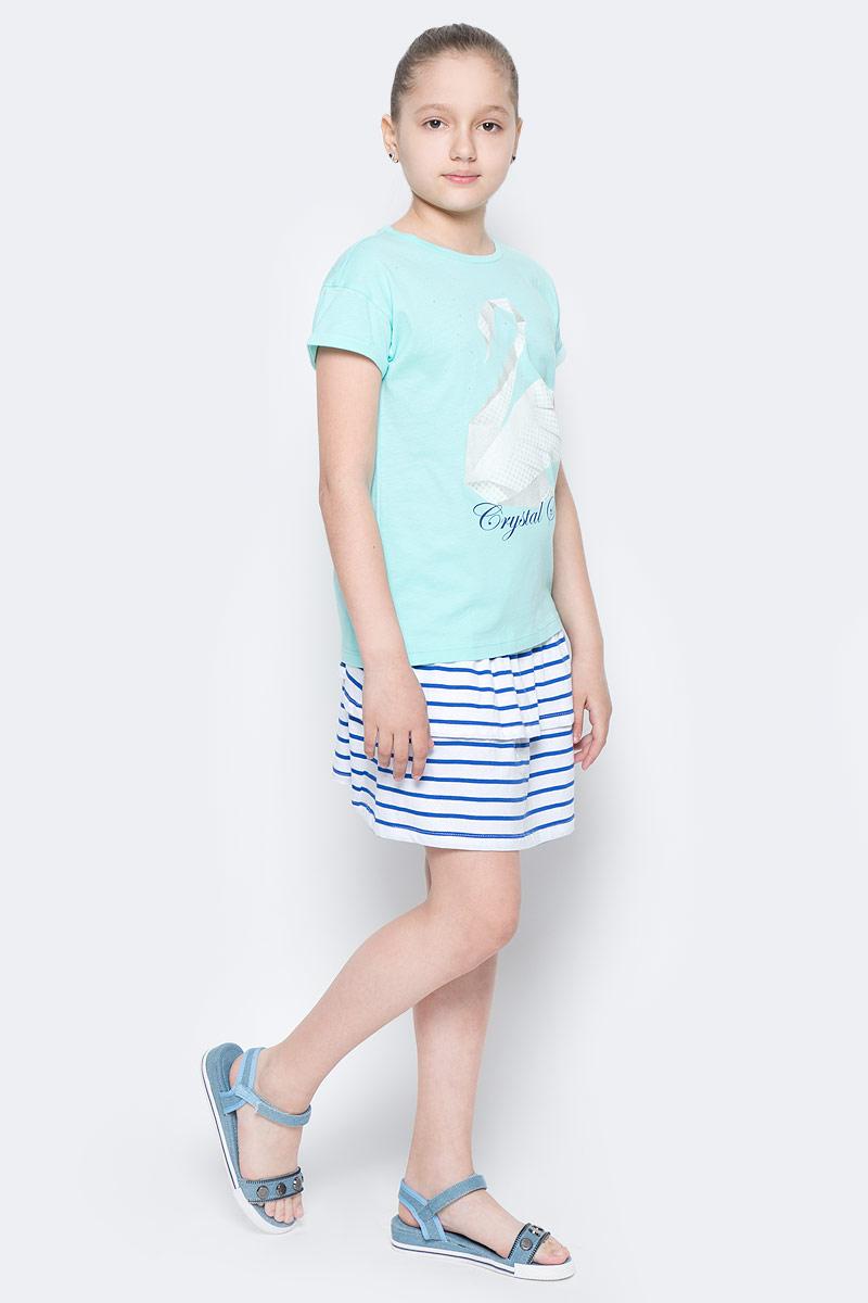 ФутболкаTs-611/944-7152Яркая футболка для девочки Sela станет отличным дополнением к гардеробу юной модницы. Модель прямого кроя изготовлена из натурального хлопка и оформлена оригинальным принтом и стразами. Воротник дополнен мягкой эластичной бейкой.