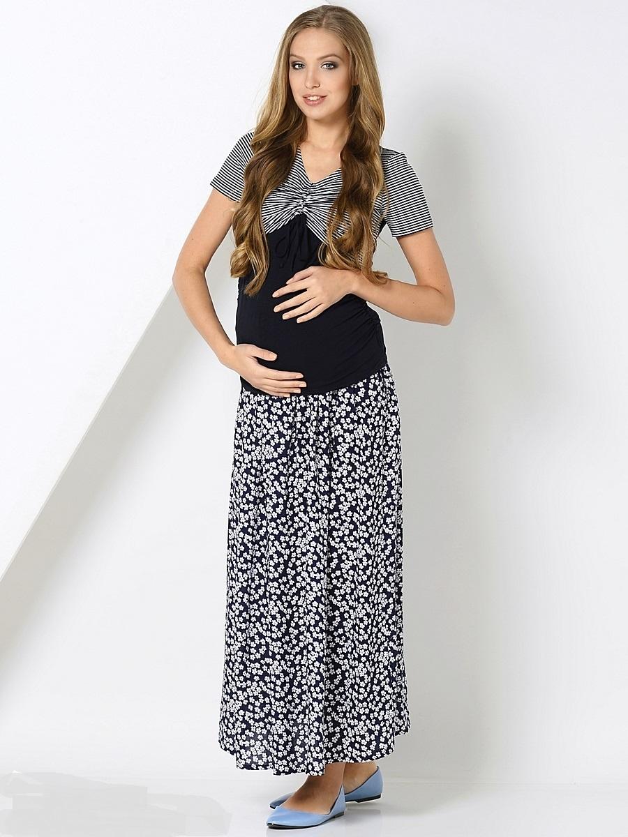Блузка200206Превосходная блузка для беременных и кормления, из мягкого трикотажного полотна, с округлой горловиной и с коротким рукавом. Блузка дополнена оригинальной кулиской по кокетке переда и драпировкой боковых швов, для объема на растущий животик. Блузка смотрится стильно и современно, в сочетании с любым низом обеспечит комфорт на любом сроке беременности и в период грудного кормления.