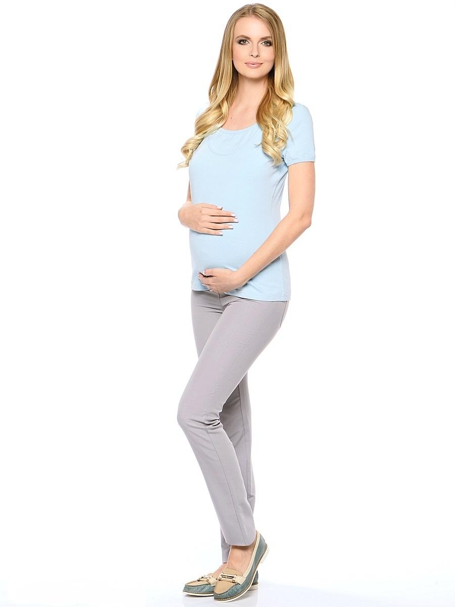 Брюки101194Классические зауженные брюки для беременных из приятного к телу материала с высоким содержанием хлопка и вискозы. Брюки дополнены двумя задними накладными карманами, трикотажной вставкой для животика с регулируемой резиночкой в поясе, спереди украшены декоративной от строчкой на карманах и пояске. Благодаря прекрасной посадке и продуманному дизайну брюки подойдут как на всем сроке беременности, так и после нее.