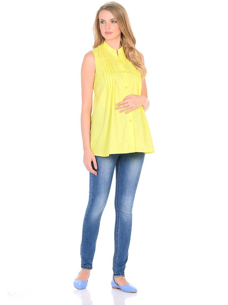 Джинсы103174Джинсы для беременных зауженного кроя, с высокой посадкой по талии. Имеют трикотажную кокетку с регулируемой резиночкой в поясе, что позволяет носить такие джинсы с комфортом, на любом сроке беременности и после рождения малыша. Передние и задние накладные карманы дополнены для практичности специальными заклепками в уголках, которые спасают джинсы от распарывания по шву. На переднем и заднем карманах набиты стильные надписи. Вертикальные потертости визуально вытягивают, делая ноги стройнее. Благодаря оптимальному содержанию эластана, джинсы отлично садятся на любую фигуру, не сковывают движений, хорошо держат форму. Джинсы универсальны в своем применении, они комбинируются со многими предметами гардероба, в джинсах образ выглядит стильно, современно и безупречно в любой ситуации.