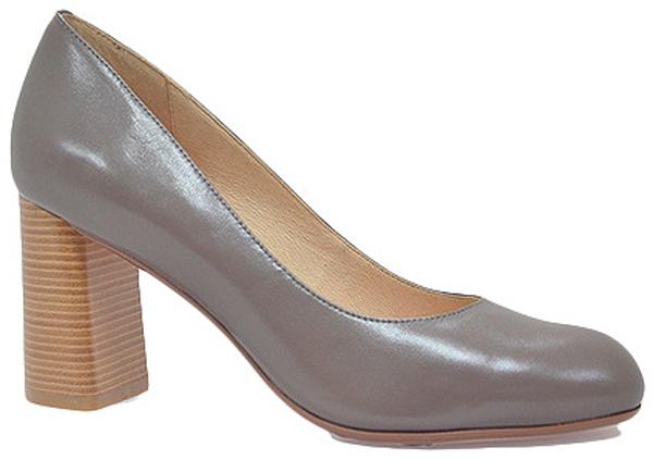 ТуфлиS7E13-05-03Модные женские туфли от Palazzo Doro покорят вас с первого взгляда. Модель с округлым мысом выполнена из натуральной кожи. Стелька из натуральной кожи обеспечивает комфорт при ходьбе. Умеренной высоты толстый каблук обеспечит комфорт при ходьбе. Подошва и каблук дополнены противоскользящим рифлением. Стильные туфли подчеркнут вашу яркую индивидуальность, позволят выделиться среди окружающих.