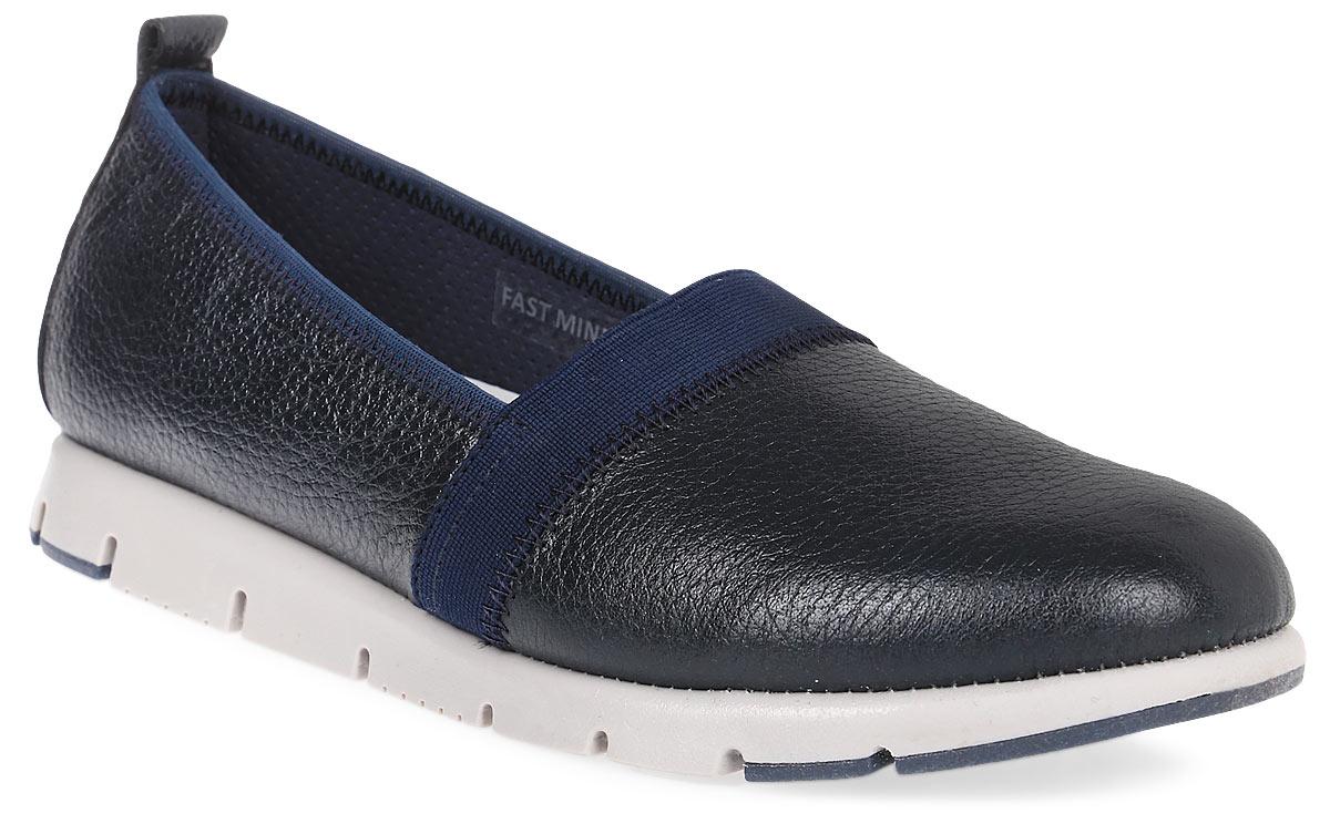 ТуфлиPAE1_FAST MIND_NAVYЛаконичные женские туфли от El Tempo изготовлены из натуральной высококачественной кожи и дополнены текстильной вставкой вдоль канта. Стрейчевая резинка, расположенная на подъеме, отвечает за оптимальную посадку модели на ноге. Ярлычок на заднике позволяет максимально легко надеть туфли на ноги. Внутренняя поверхность и стелька выполнены из натуральной кожи, гарантирующей комфорт при движении. Подошва туфель изготовлена из материала ЭВА плотной текстуры и дополнена рифленой поверхностью.