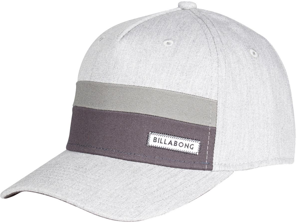 Бейсболка3607869370328Оригинальная мужская кепка 5-панельного дизайна, основная часть которой выполненная с добавлением эластичных нитей. Такая конструкция не требует ручной регулировки размера и гарантирует отличную посадку.