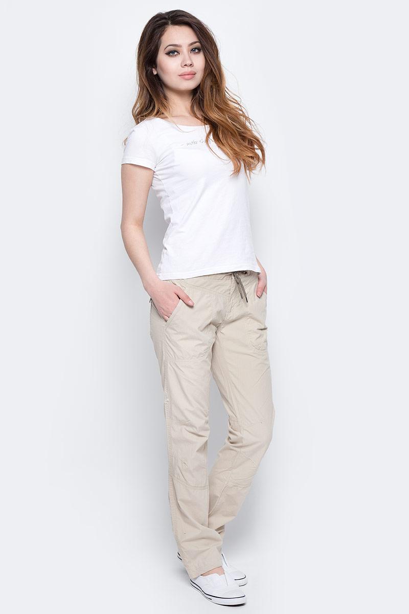 Брюки спортивные1658321-160Легкие женские брюки из 100 % хлопка идеально подойдут для ежедневных прогулок в теплое время года. Материал устойчив к износу, прост в уходе, что делает модель весьма практичной. Дополнительная шнуровка на поясе обеспечивает индивидуальную посадку по фигуре. Регулировка низа изделия позволяет подогнать длину. Прямой крой не стесняет движений.