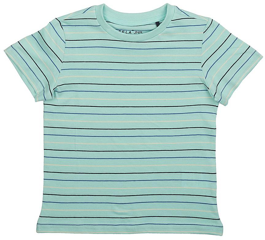 ФутболкаTs-711/519-7235Модная футболка для мальчика Sela выполнена из натурального хлопка с принтом в полоску. Модель прямого кроя подойдет для прогулок и дружеских встреч и будет отлично сочетаться с джинсами и брюками. Воротник изделия дополнен мягкой трикотажной резинкой. Мягкая ткань комфортна и приятна на ощупь. Яркий цвет модели позволяет создавать стильные образы.
