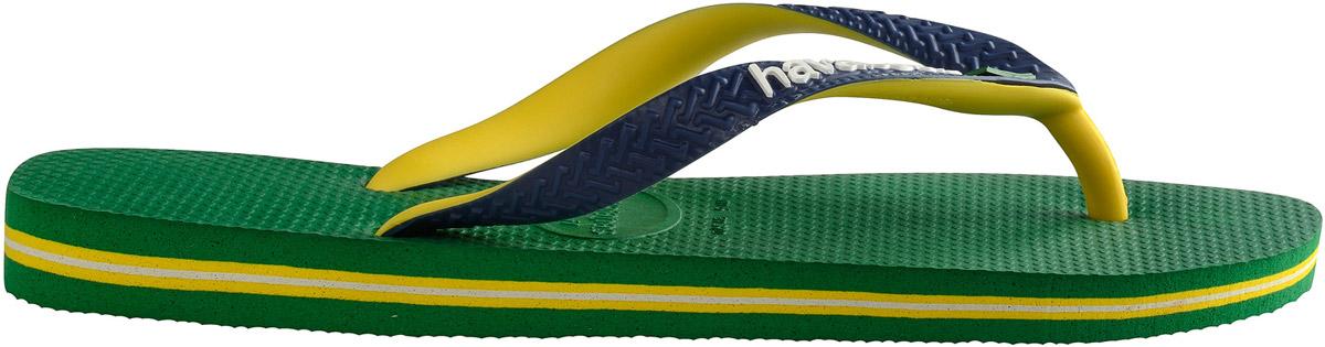 Сланцы4123206-0090Модные мужские сланцы Brasil Mix от Havaianas придутся вам по душе. Верх модели, выполненный из резины, оформлен рельефным орнаментом, названием бренда и изображением флага Бразилии. Ремешки с перемычкой гарантируют надежную фиксацию модели на ноге. Подошва выполнена из материала ЭВА и оформлена контрастными полосками. Рифление на верхней поверхности подошвы предотвращает выскальзывание ноги. Рельефное основание подошвы обеспечивает уверенное сцепление с любой поверхностью. Удобные сланцы прекрасно подойдут для похода в бассейн или на пляж.
