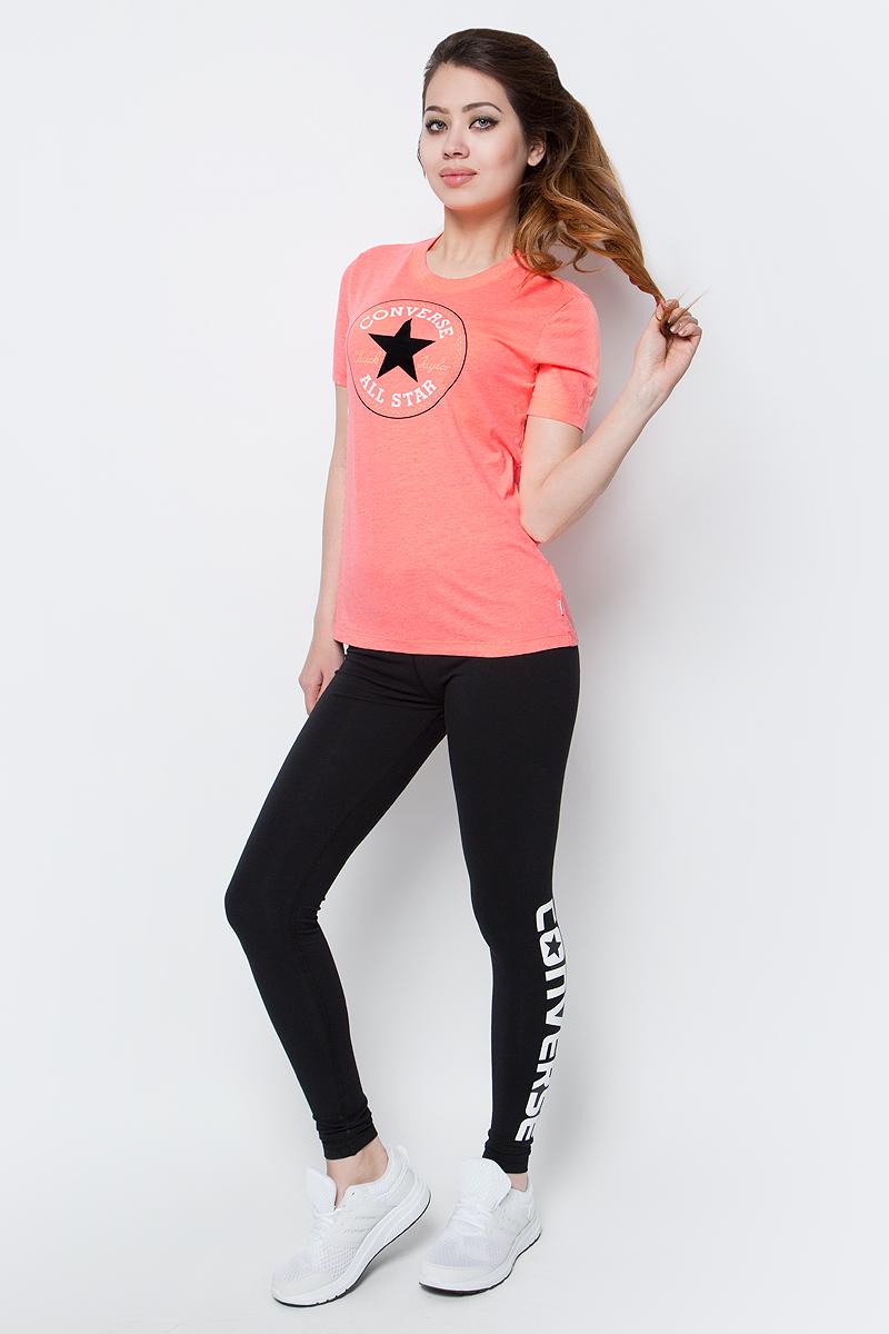 Футболка10001124830Женская футболка Converse Knitted Womens Ss Crew Tee выполнена из качественного хлопка с добавлением полиэстера. Модель с круглым вырезом горловины и короткими рукавами имеет свободный силуэт. Изделие оформлено оригинальной термоаппликацией.
