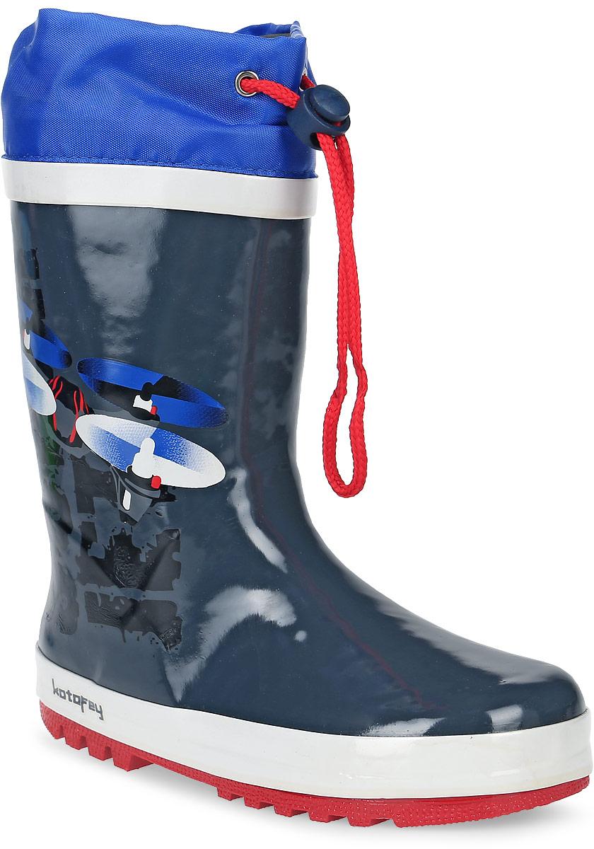 Резиновые сапоги566120-11Резиновые сапоги от Котофей - идеальная обувь в холодную дождливую погоду для вашего мальчика. Сапоги выполнены из высококачественной резины. Боковая сторона голенища оформлена оригинальным принтом. Подкладка и стелька из текстиля обеспечат комфорт. Текстильный верх голенища регулируется в объеме за счет шнурка со стоппером. Подошва дополнена рифлением.
