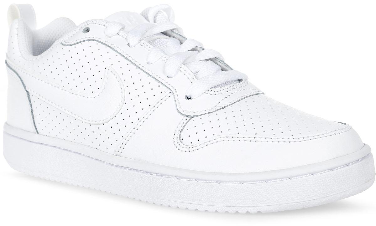 Кроссовки844905-110Женские кроссовки Recreation Low от Nike из натуральной и искусственной кожи. Подкладка и стелька из текстиля комфортны при движении. Сетчатый язычок и перфорация для дополнительной вентиляции воздуха. Шнуровка надежно зафиксирует модель на ноге. Подошва дополнена рифлением.