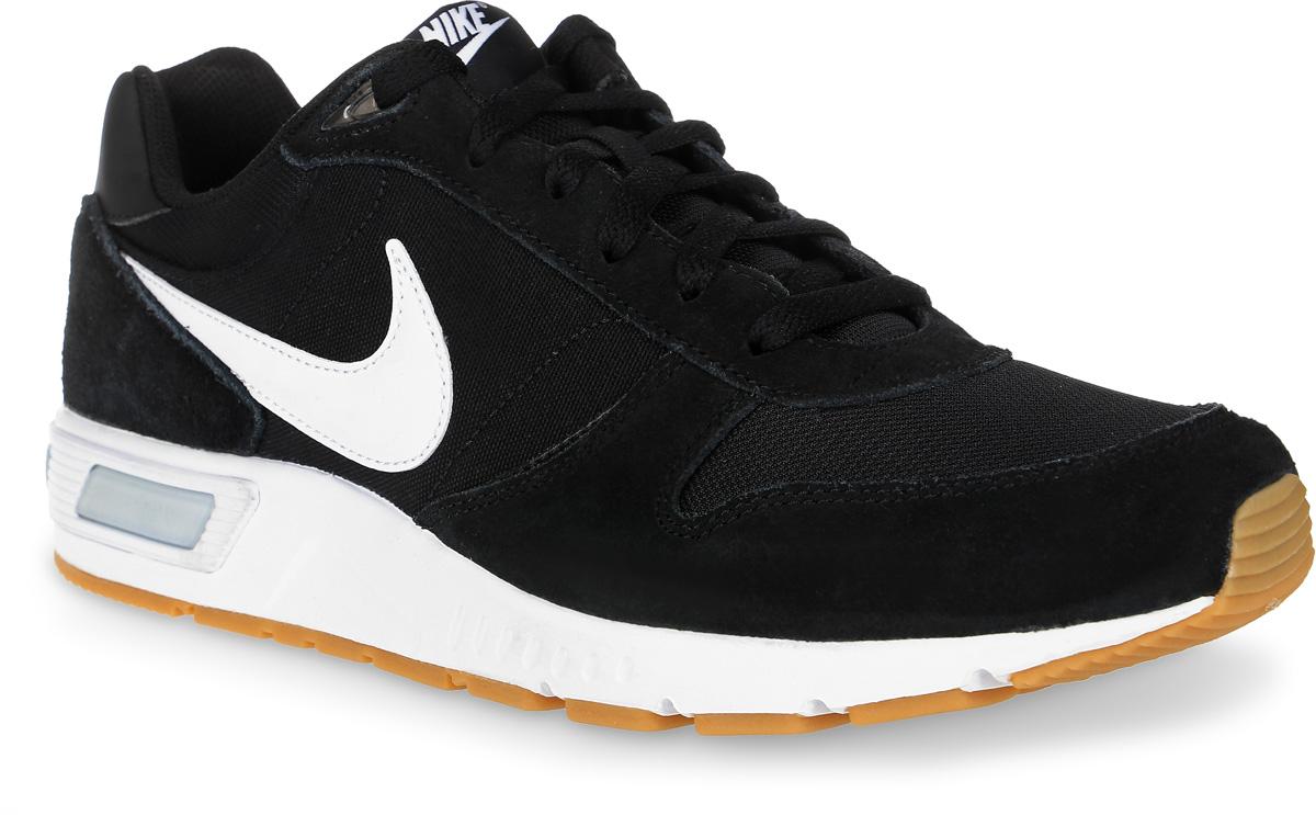 Кроссовки644402-006Мужские кроссовки Nightgazer от Nike выполнены из текстиля, натуральной спилока и искусственной кожи. Подкладка и стелька из текстиля комфортны при движении. Шнуровка надежно зафиксирует модель на ноге. Подошва дополнена рифлением.