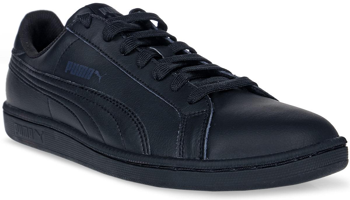 Кеды35672204Модель Smash L от PUMA сохраняет простоту и чистоту линий, свойственную классическим теннисным туфлям. Обувь фиксируется на ноге при помощи классической шнуровки. Верх из мягкой искусственной кожи с традиционной фирменной полосой придает модели нарядный и стильный облик и делает её отличным дополнением к повседневному гардеробу.