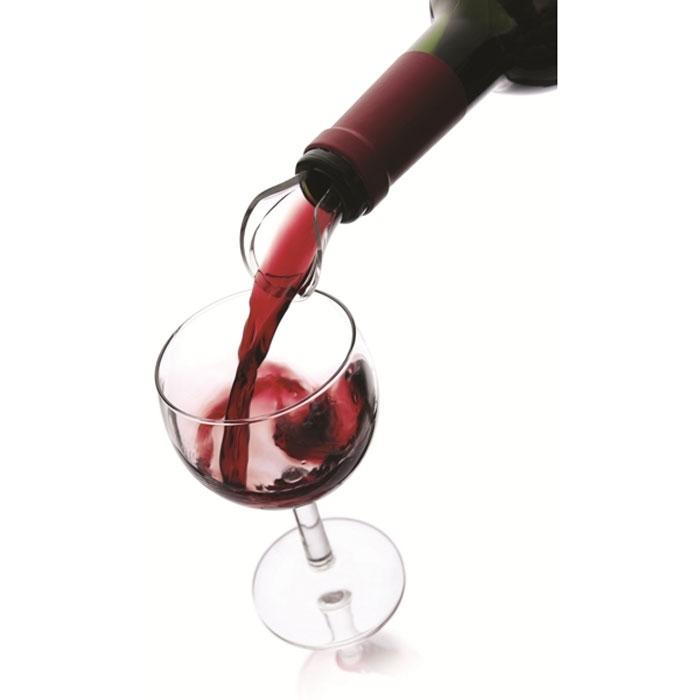Набор каплеуловителей VacuVin Wine Server, 2 шт1854060Элегантный уловитель капель Wine Server, изготовленный из высокопрочного пластика, помогает сохранить вашу скатерть чистой. Уловитель имеет раздвоенный носик, позволяющий возвращать оставшиеся на уловителе капли в бутылку. Уловитель капель Wine Server прекрасно подходит для большинства винных бутылок.