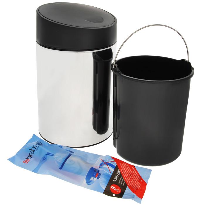 Ведро для мусора Brabantia Slide, 5 л. 397127397127Ведро для мусора Brabantia Slide изготовлено из высококачественной нержавеющей стали с зеркальной полировкой. Материал изделия отличается устойчивостью к коррозии, долговечностью и прочностью. Ведро оснащено пластиковой крышкой-слайдером, которая автоматически открывается при легком нажатии. Крышка закрывается и открывается абсолютно бесшумно, легко снимается. Внутри содержится съемное пластиковое ведро с металлической ручкой. Это поможет содержать ведро в чистоте и предотвратит распространение неприятного запаха. На дне имеется пластиковая вставка, которая не повредит поверхность напольных покрытий. В комплекте - 5 пакетов для мусора объемом 5 л. Изделие можно подвесить к стене (крепежные элементы в комплекте).