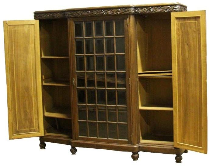 Старинный книжный шкаф в стиле ампир. Дуб, орех, столярная работа, стекло. Западная Европа, начало XX века
