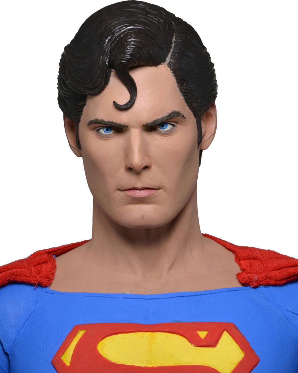 Супермен. Фигурка Супермен 1:4