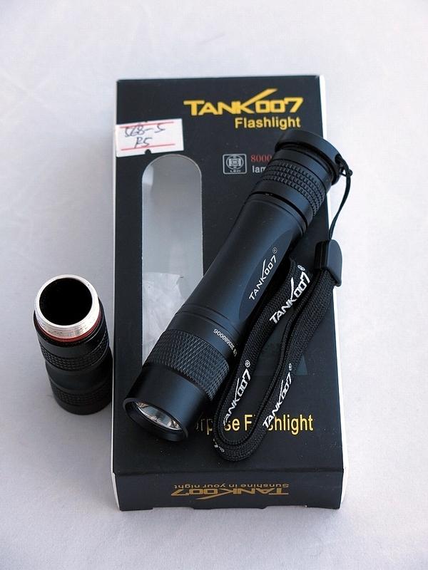 Светодиодный фонарь TANK007 TK568 с комплектацией