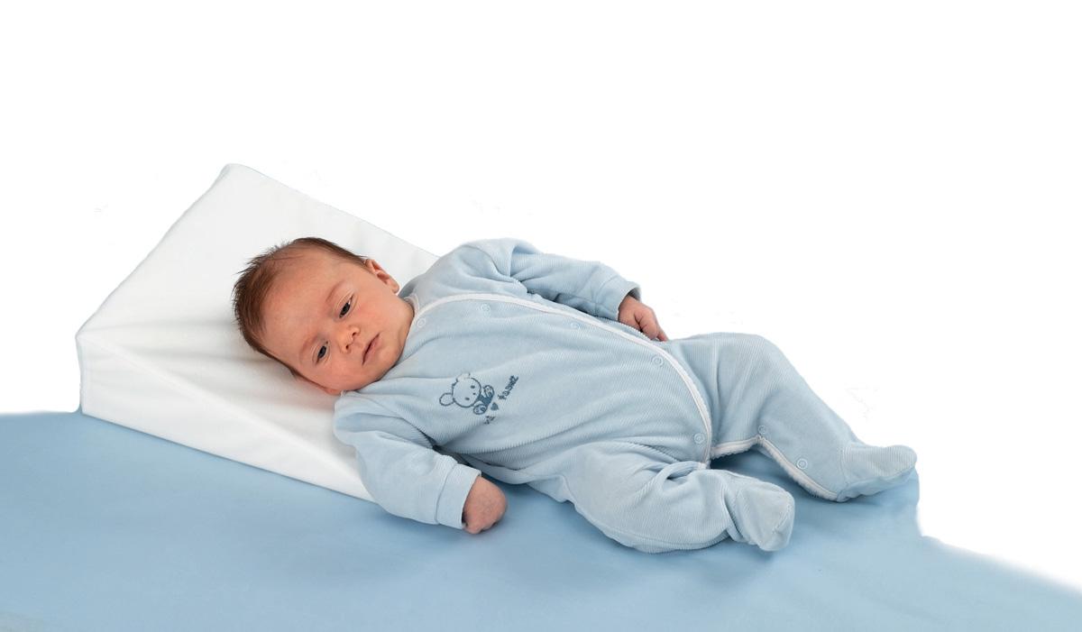 правильно правильная подушка для сна ребенка представляет собой бесцветную