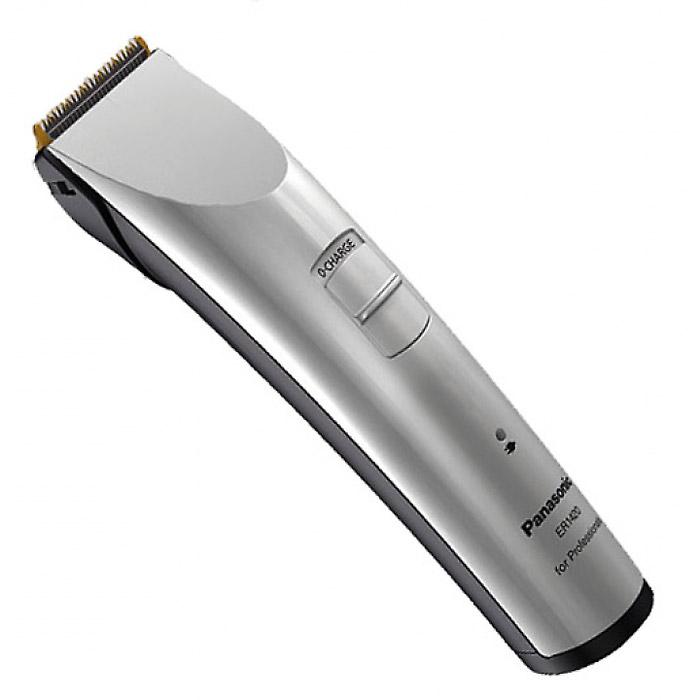 Panasonic ER-1420S520 триммерER1420S520Профессиональная машинка для стрижки волос/триммер Panasonic Panasonic ER 1420S. Новый дизайн. Стенды для зарядки и хранения насадок. Долговечный и экологичный Ni-Mh (никель-металлгидридный) аккумулятор. Покрытие керамических лезвий нитридом титана. Заточка лезвий типа Diamond.