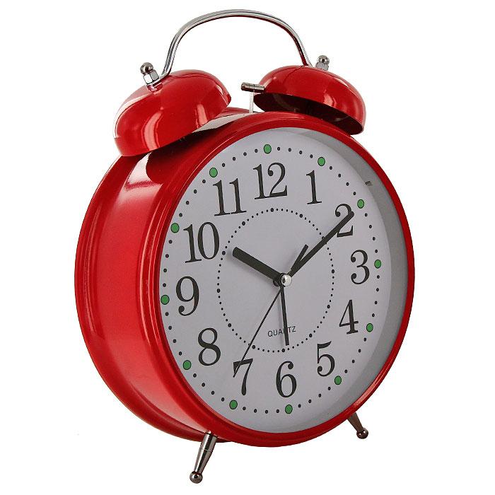 Часы-будильник Гигант, цвет: красный, с подсветкой92266Каждое утро вы боитесь проспать? Будьте абсолютно уверены в том, что с таким будильником вам точно не удастся снова уснуть! Теперь вы сможете просыпаться утром под звуки стильного классического будильника Гигант. Большого размера будильник украсит вашу комнату и приведет в восхищение друзей. Будильник работает от батареек. На задней панели будильника расположены переключатель включения/выключения механизма и два колесика для настройки текущего времени и времени звонка будильника. Будильник также оснащен подсветкой циферблата.