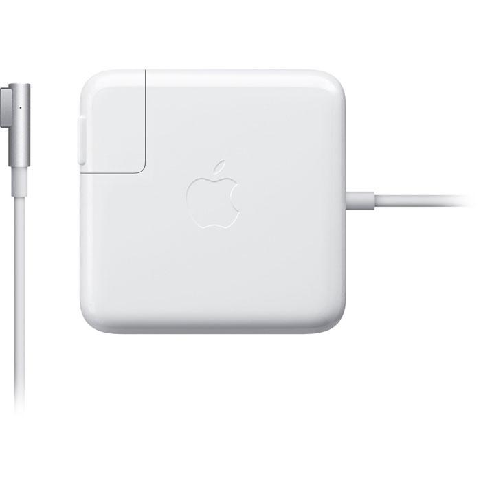 Apple MacBook 60W Magsafe Power (MC461Z/A)MC461Z/AАдаптер питания Apple MacBook 60W Magsafe Power с магнитным коннектором MagSafe, гарантирующим, что электрический кабель будет отключен неповрежденным в случае, если к нему приложено чрезмерное усилие, и предотвращающим износ кабеля. Снабжен светодиодным индикатором режима зарядки. Имеет удобное устройство хранения кабеля. Тип штекера: L-образный