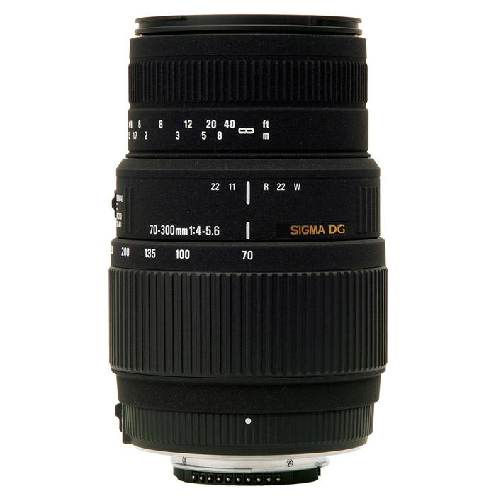 Sigma AF 70-300mm F4-5.6 DG MACRO, Canon886955Длиннофокусный зум-объектив с функцией макросъемки Sigma AF 70-300mm F4-5.6 DG MACRO. Объектив идеально подходит для съемки портретов, спортивных событий и природы. Используемые технологии: DG - Светосильные широкоугольные объективы для цифровых и пленочных камер, позволяют сфокусироваться с минимальным расстоянием до объекта съемки.