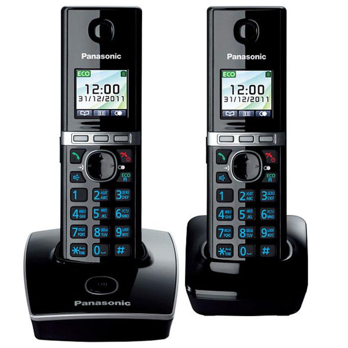 Panasonic KX-TG8052 RUB DECT телефонKX-TG8052RUBУникальность радиотелефону Panasonic KX-TG8052 придает функция резервного питания. Обычные DECT телефоны не работают при отключении электричества, а у Panasonic KX-TG8052 заряд аккумуляторов трубки сможет обеспечить временную работу базового блока. В радиотелефоне Panasonic KX-TG8052 сочетаются современный дизайн и множество разнообразных функций. Ключевым преимуществом DECT телефона Panasonic KX-TG8052 стала функция резервного питания базового блока от трубки (при отключении электроэнергии) и цветной TFT-дисплей. Радиотелефон Panasonic KX-TG8052RU выполнен в классическом белом цвете с соблюдением четких прямых линий. Трубка комфортно лежит в руке, а благодаря клавишам с голубой подсветкой и четкому TFT-дисплею набирать номер и изменять настройки телефона очень удобно. Меню радиотелефона Panasonic KX-TG8052RU полностью русифицировано, что существенно упрощает использование телефонной книги. Уникальность этому радиотелефону придает функция резервного питания....