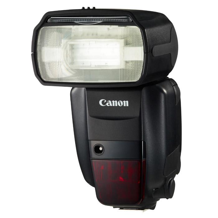 Canon Speedlite 600EX-RT5296B003Универсальная вспышка Canon Speedlite 600EX-RT со встроенной системой управления по радиоканалу, созданная для профессиональных фотографов. Радиоуправление на большом расстоянии: Speedlite 600EX-RT со встроенной системой управления по радиоканалу, обеспечивающей надежное срабатывание выносной вспышки на расстоянии до 30 м даже при наличии препятствий. Доступны 15 частотных каналов, нужно только выбрать канал с наилучшим приемом. Освещение несколькими вспышками: Используйте до 15 Speedlite 600EX-RT одновременно для съемки с несколькими вспышками - идеальный вариант для съемки больших объектов, интерьеров или портретов. Вспышки могут быть назначены в одну из трех групп (до пяти групп при использовании управления по радиоканалу), которыми можно управлять по отдельности или вместе. Экспозамер E-TTL II: При использовании Speedlite 600EX-RT на фотокамере или как выносной вспышки система экспозамера E-TTL II от Canon каждый раз...