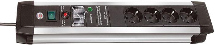 Brennenstuhl Premium-Protect-Line 60.000 A 4 розетки, 3 м1391000604Удлинитель на 4 розетки с защитой от перенапряжения Brennenstuhl Premium-Protect-Line предназначен для подключения различных приборов и устройств к электросети. Устройство оснащено встроенным фильтром для защиты от высокочастотных помех. Защита оборудования от перенапряжения (непрямые удары молнии), максимум до 60 000 A Прочный матовый алюминиевый корпус Двухполюсный выключатель с подсветкой Предохранитель 16 А Розетки с защитой от детей Тип кабеля: H05VV-F 3G1,5 Фильтр: EMI/RFI