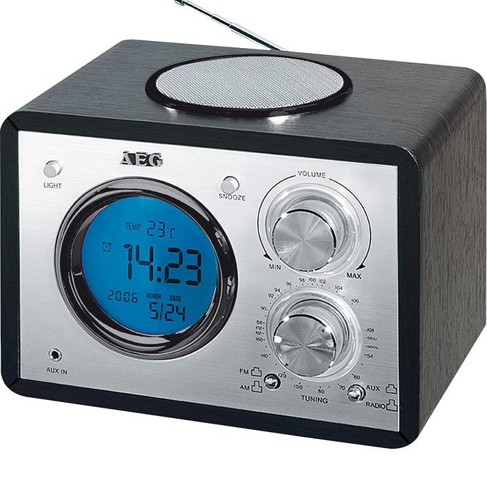 AEG MR 4104, Black радиоприемникMR 4104 schwarz2-диапазонный радиоприемник AEG MR 4104 с MP3 Line-IN и часами. ЖК-дисплей Индикация даты Индикация температуры Телескопическая антенна Широкополосный динамик MP3 Line-IN (разъем 3,5 мм) Аналоговая индикация частоты Функция будильника - с 8 различными сигналами или с радио