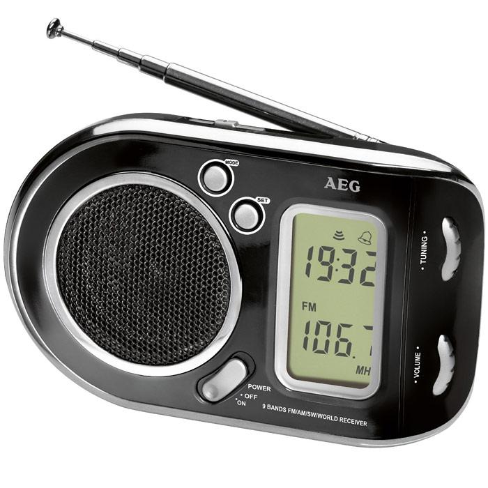 AEG WE 4125, Black радиоприемникAEG WE 4125 schwarzРадиоприемник AEG WE 4125 с будильником идеально подходит для путешествий. ЖК-дисплей Телескопическая антенна Цифровая индикация частоты Высококачественный динамик Многочастотный радиоприемник с 9 диапазонами частоты (1 х URW, 1 x MW, 7 x KW)