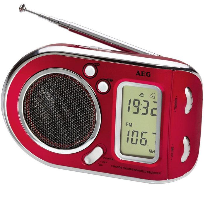 AEG WE 4125, Red радиоприемникAEG WE 4125 rotРадиоприемник AEG WE 4125 с будильником идеально подходит для путешествий. ЖК-дисплей Телескопическая антенна Цифровая индикация частоты Высококачественный динамик Многочастотный радиоприемник с 9 диапазонами частоты (1 х URW, 1 x MW, 7 x KW)