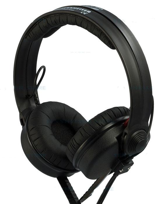 Sennheiser HD 25-13-II наушникиБ0004280Наушники HD 25-13-II используются в основном для профессионального мониторинга ди-джеями или видео-операторами. Обеспечивают превосходное подавление внешних шнуров что позволяет работать в шумной среде например в клубах, на концертах и дискотеках. HD 25 очень детально воспроизводят сигнал с высоким уровнем звукового давления. Конструкция наушников очень прочна, что делает их долговечными. Оголовье разделено на две части, что делает использование этих наушников максимально комфортным.